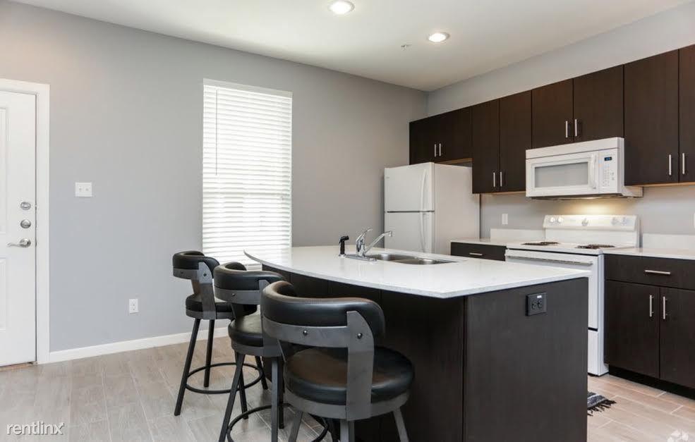 400 S Illinois Ave, Weslaco, TX - 850 USD/ month