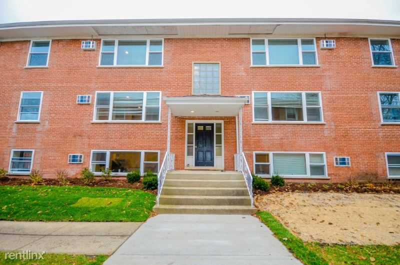 314 Duane St 4, Glen Ellyn, IL - $1,350 USD/ month