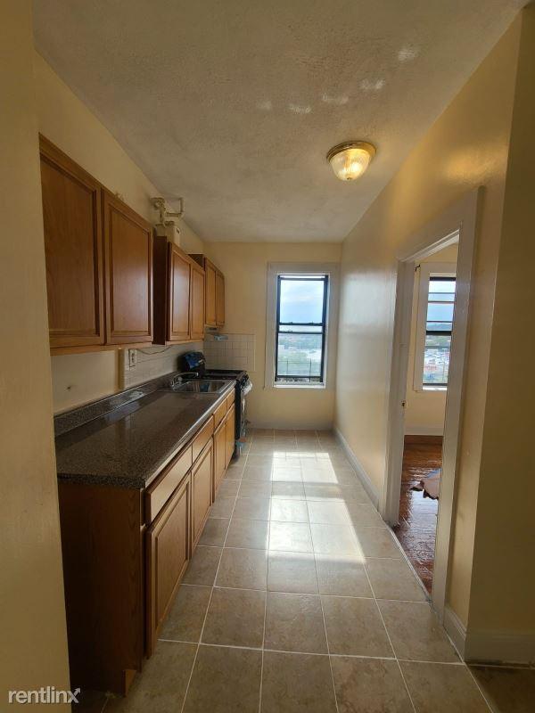 226 W 242nd St, Bronx, NY - $2,000 USD/ month