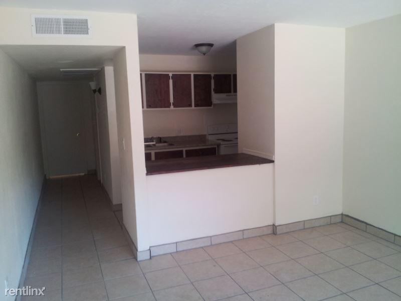 1908 N 32 street 208, Phoenix, AZ - $700 USD/ month