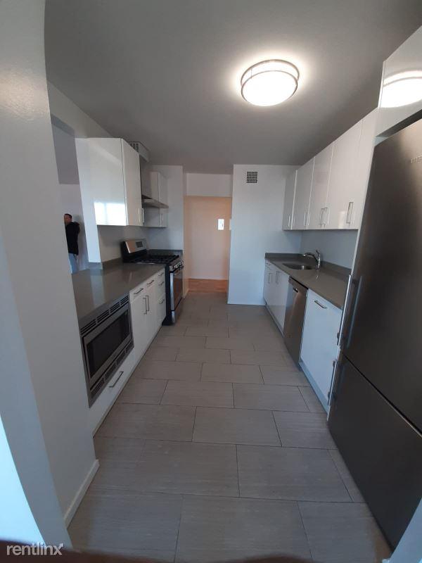 98-15 57th avenue 11f, Corona, NY - $1,670 USD/ month