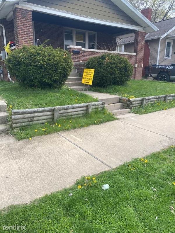 N Maryland Ave, Peoria, IL - $692 USD/ month
