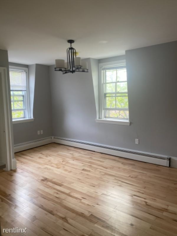 11 Carleton St. 5, Portland, ME - $1,600 USD/ month