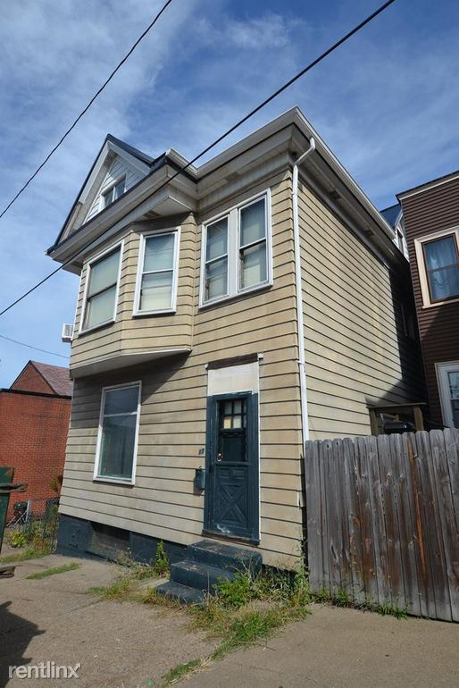 17 7th St, Wheeling, WV - $485 USD/ month