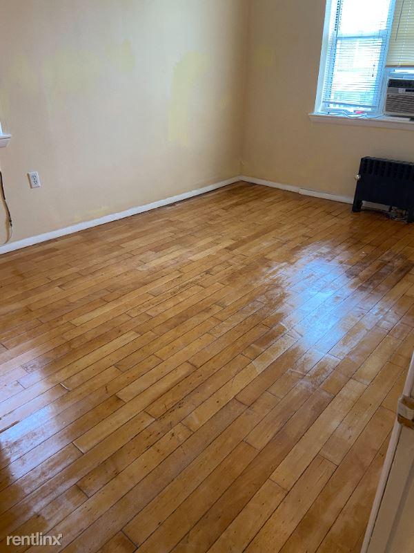 90th St, Jackson Heights NY, Jackson Heights, NY - $2,300 USD/ month