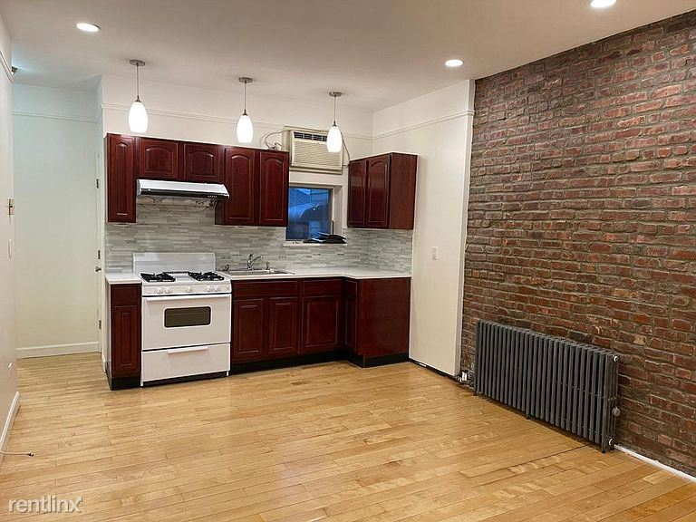 1539 Bay Ridge Pkwy, Brooklyn NY 1F, Brooklyn, NY - $1,700 USD/ month