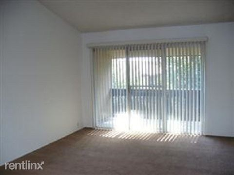 1915 Cosenza Dr, Sparks, NV - $800 USD/ month