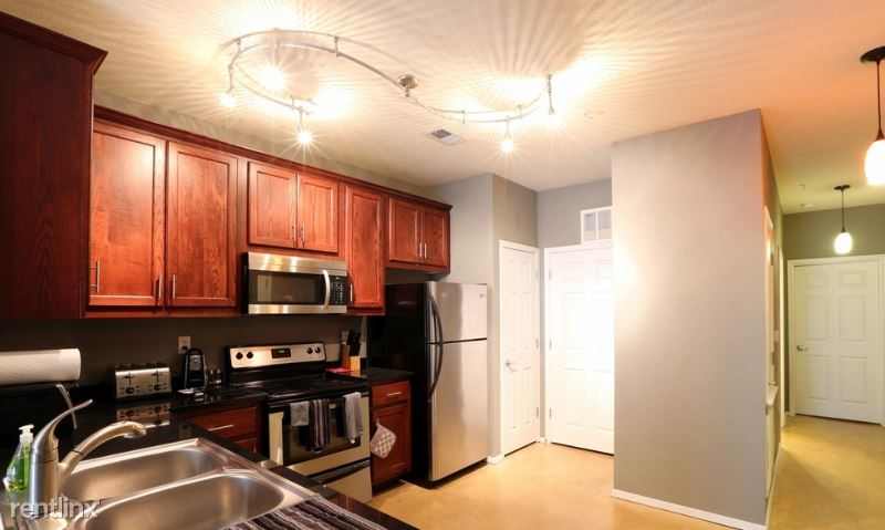 11 Ponds Edge Ct, Huntington Station, NY - $800 USD/ month