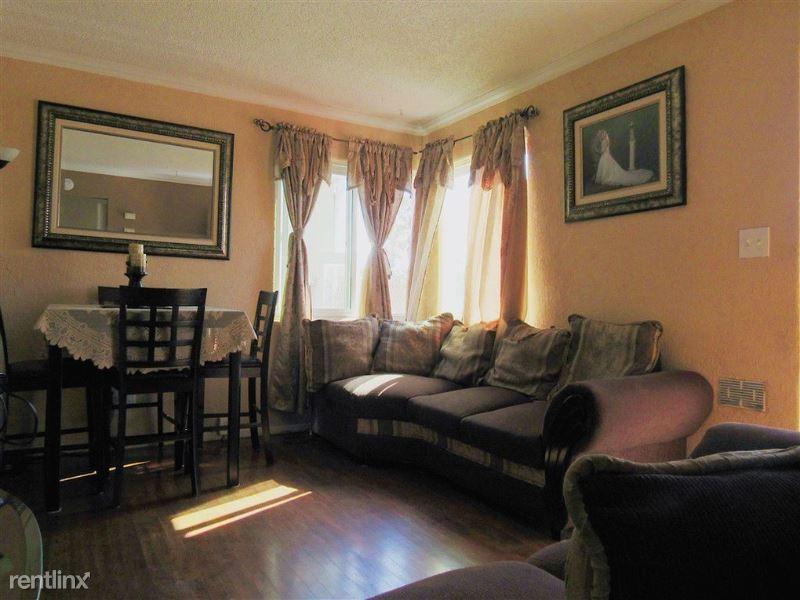 79 Washington St, Poughkeepsie, NY - $800 USD/ month