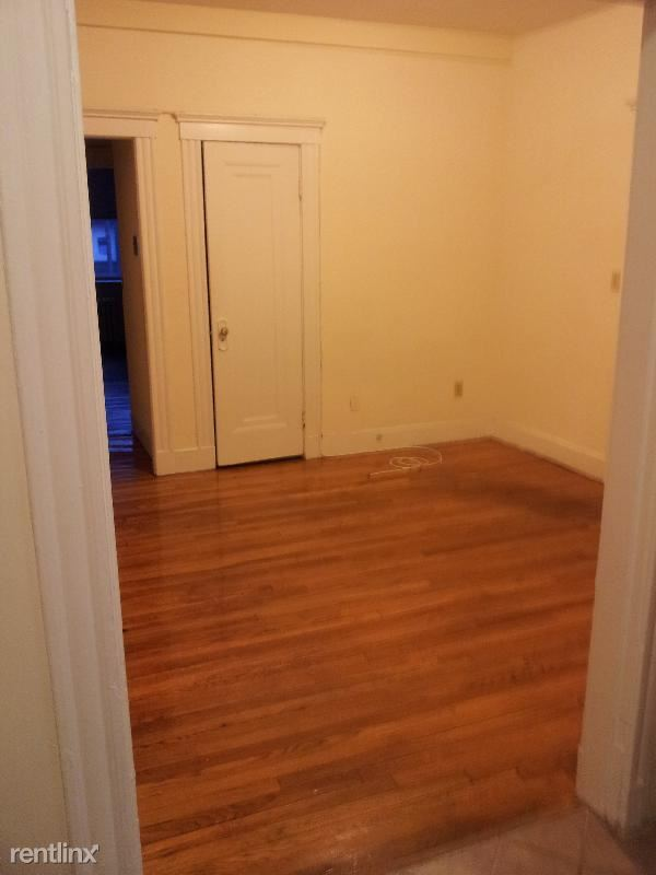 1610 Massachusetts Ave Apt 1, Cambridge, MA - $2,700 USD/ month