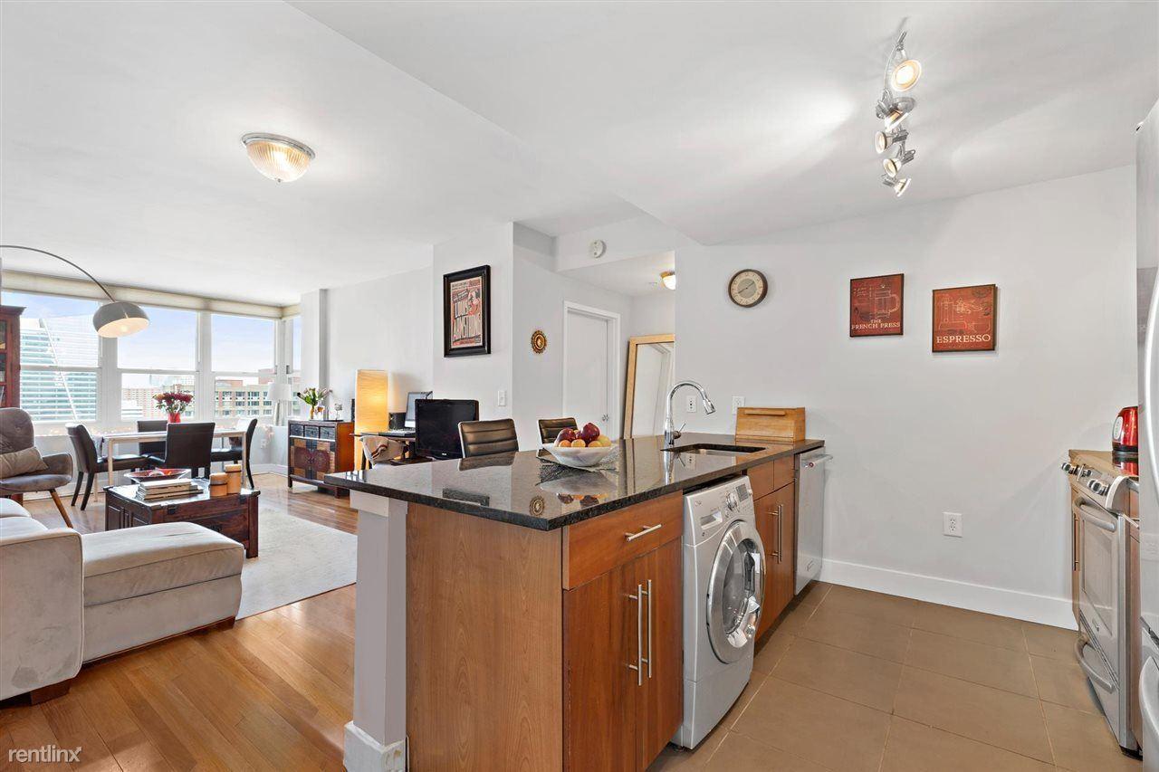 88 Morgan St Apt 2603, Jersey City, NJ - $900 USD/ month