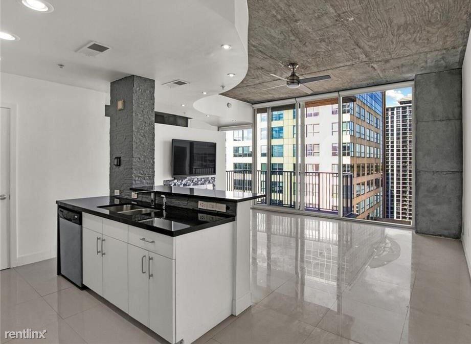 155 S Court Ave Unit 1612, Orlando, FL - $900 USD/ month