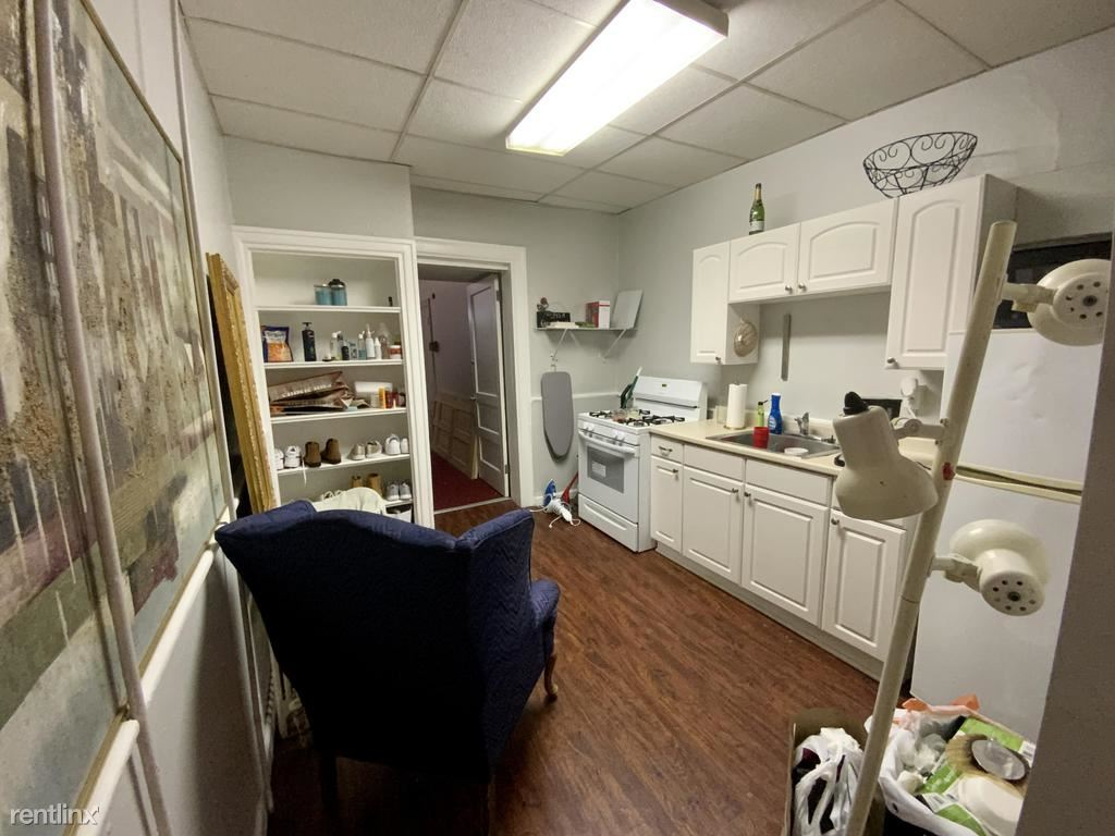 3627 Butler Street 1, Pittsburgh, PA - $850 USD/ month