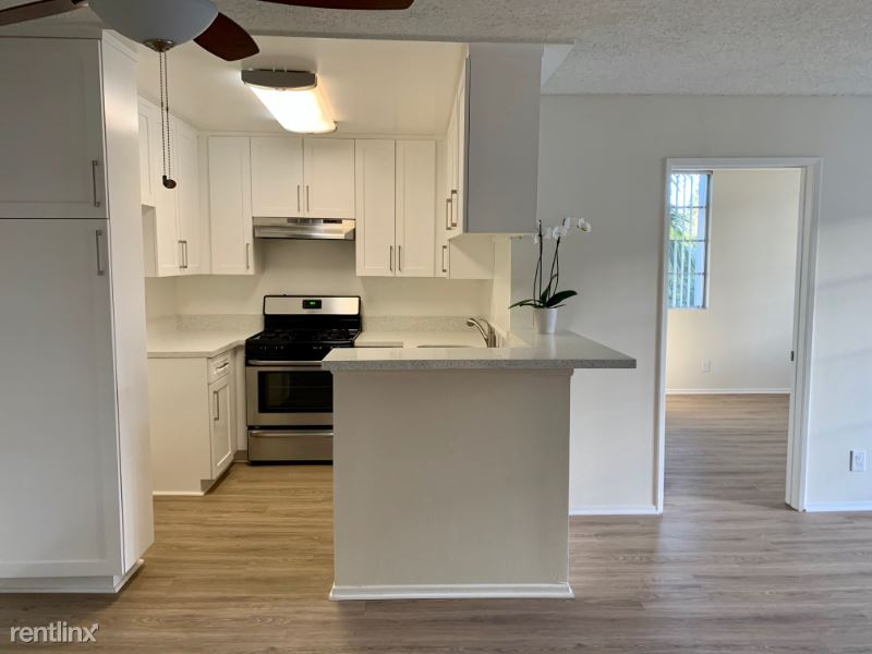 3325 Castle Heights Ave., Los Angeles, CA - $2,395 USD/ month