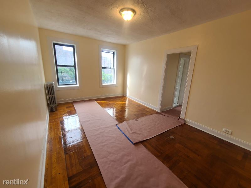 153 amador street, Staten Island, NY - $2,650 USD/ month