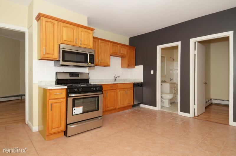 21 Monmouth St. 2, Boston, MA - $2,350 USD/ month