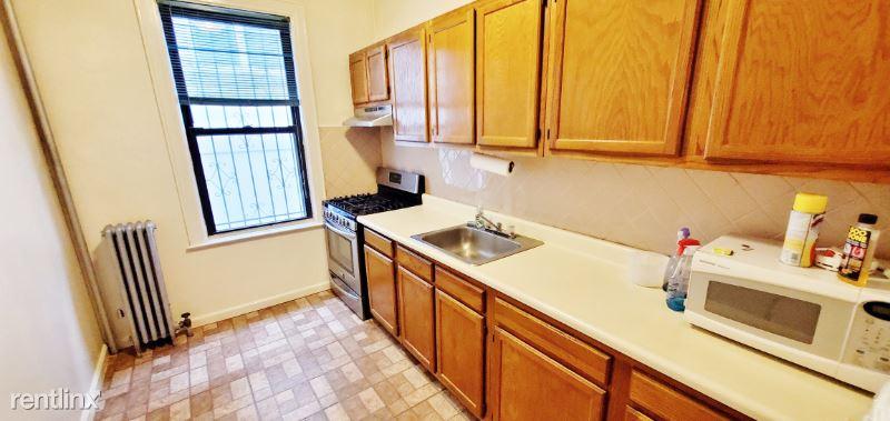 3429 33rd St 1F, Astoria, NY - $2,425 USD/ month