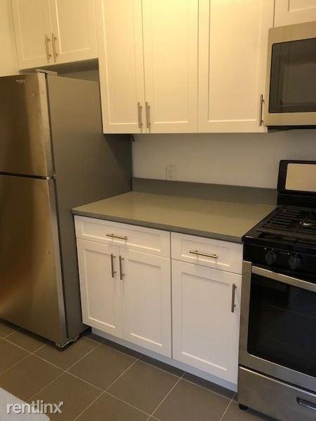 7210 41st Ave, Woodside NY 5, Woodside, NY - $1,900 USD/ month