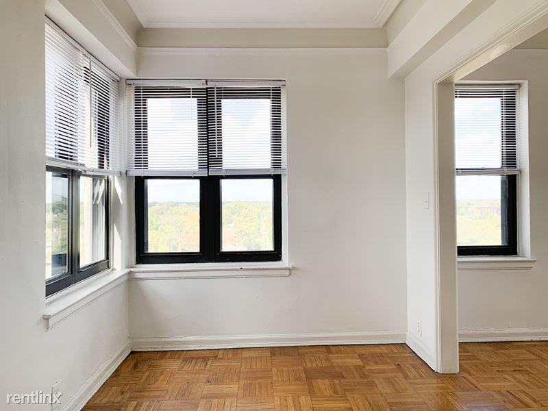 8925 E Jefferson Ave, Detroit MI 14N, Detroit, MI - $875 USD/ month