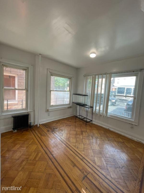 1228 New York Ave, Brooklyn NY, Brooklyn, NY - $700 USD/ month