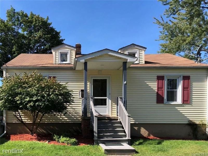 63 Liberty St, Middletown NY, Middletown, NY - $1,700 USD/ month