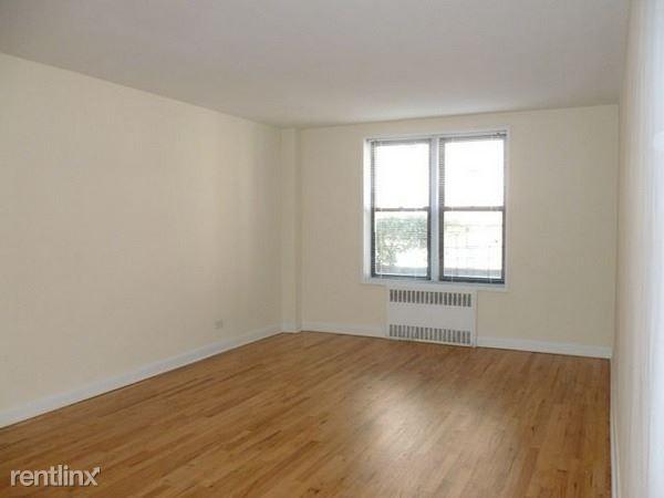 4435 Colden St, Flushing NY 2, Flushing, NY - $1,595 USD/ month