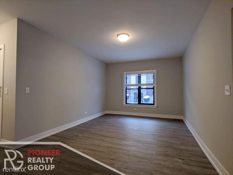 813 W Waveland Ave N3, Chicago, IL - $2,395 USD/ month