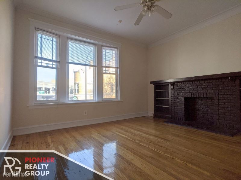 3056 N Greenview Ave, Chicago IL 2, Chicago, IL - $1,995 USD/ month
