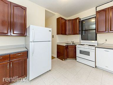 61 E 3rd St, New York NY 15#, New York, NY - $2,246 USD/ month