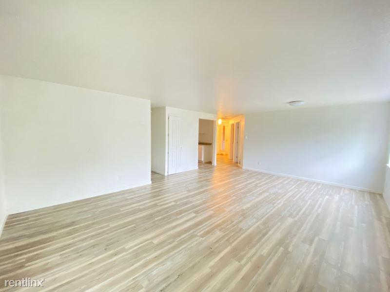 2707 Lincoln Way B28, Lynnwood, WA - $1,490 USD/ month