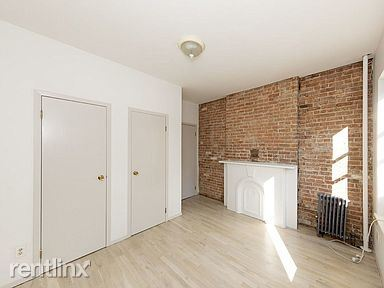 406 W 48th St, New York NY 2FE#, New York, NY - $2,000 USD/ month