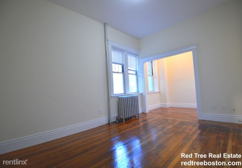 27 Park Dr. 1F, Boston, MA - $1,800 USD/ month