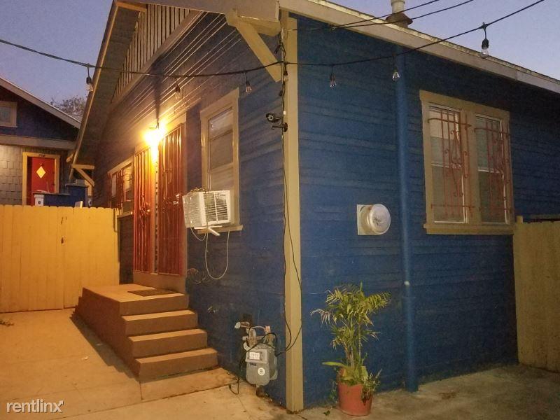 714 N Coronado St, Los Angeles, CA - $1,850 USD/ month