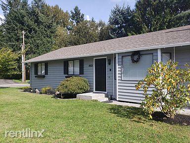 8621 NE 142nd St., Kirkland, WA - $2,200 USD/ month