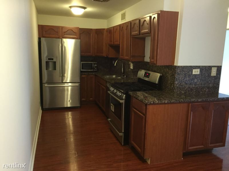 8232 Niles Center Rd, Skokie IL, Skokie, IL - $1,230 USD/ month
