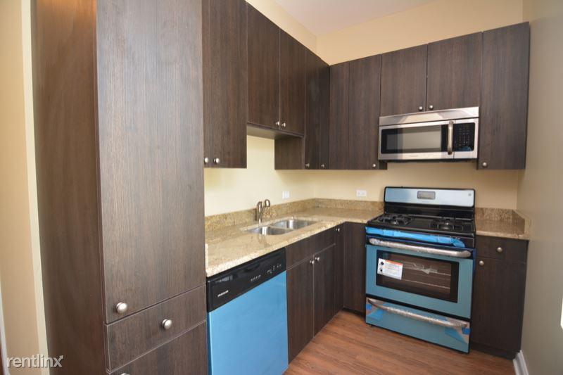 1740 W Huron St, Chicago IL 1R, Chicago, IL - $2,295 USD/ month