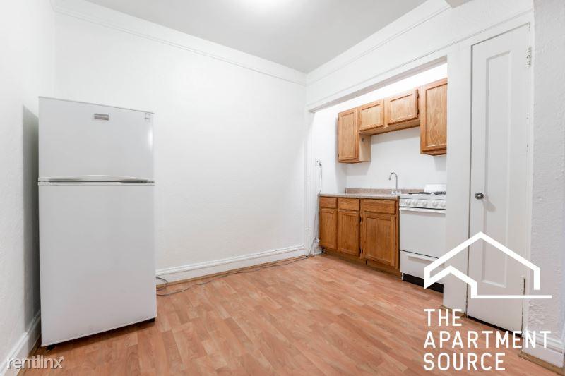 5528 S Hyde Park Blvd, Chicago IL, Chicago, IL - $860 USD/ month