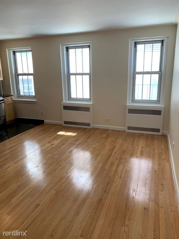 Jane Street, New York, NY - $2,687 USD/ month
