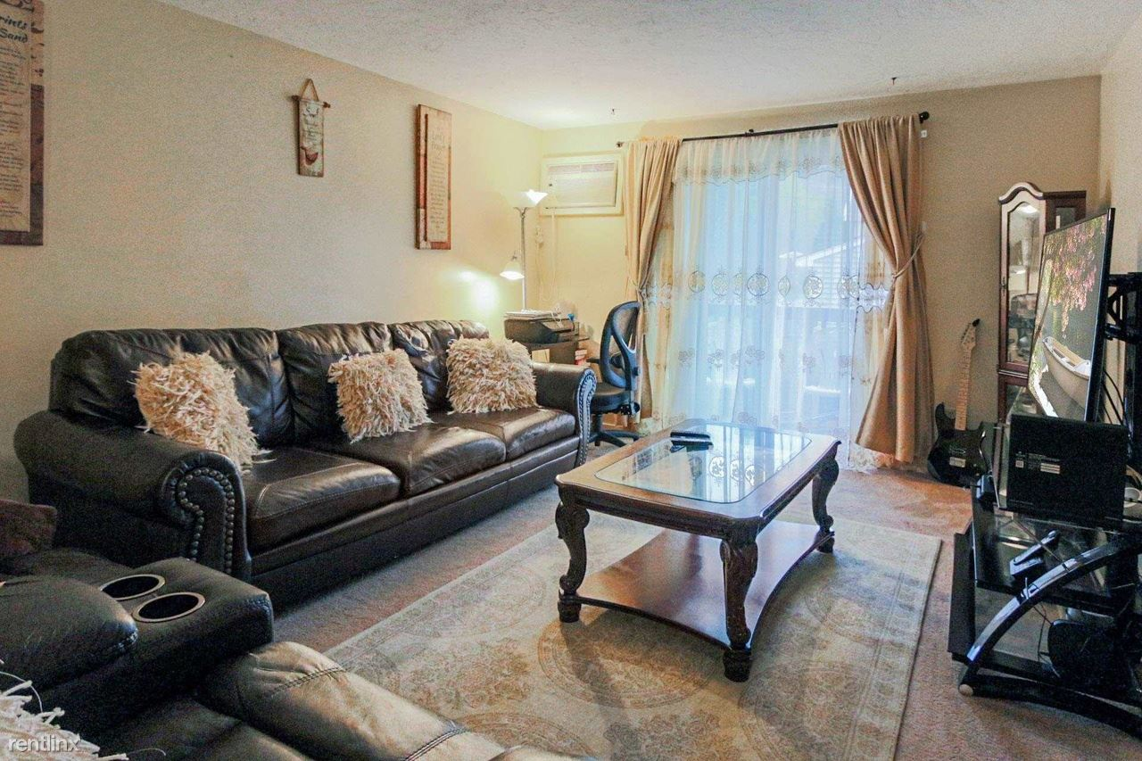 210 Brook Village Rd Apt 15, Nashua, NH - $980 USD/ month