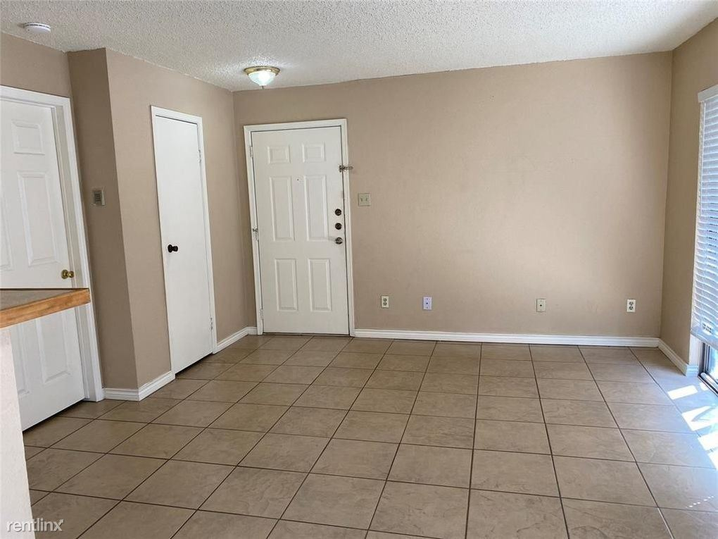 2750 Holly Hall St, Houston, TX - $800 USD/ month