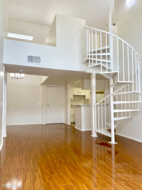 Kester Ave, Sherman Oaks CA, Sherman Oaks, CA - $2,895 USD/ month