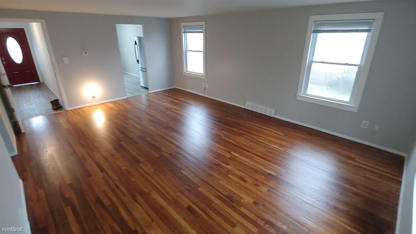150 Masarik Ave, Stratford, CT - $1,600 USD/ month