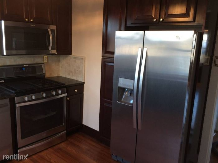 Park Ave, West Harrison, NY - $2,700 USD/ month