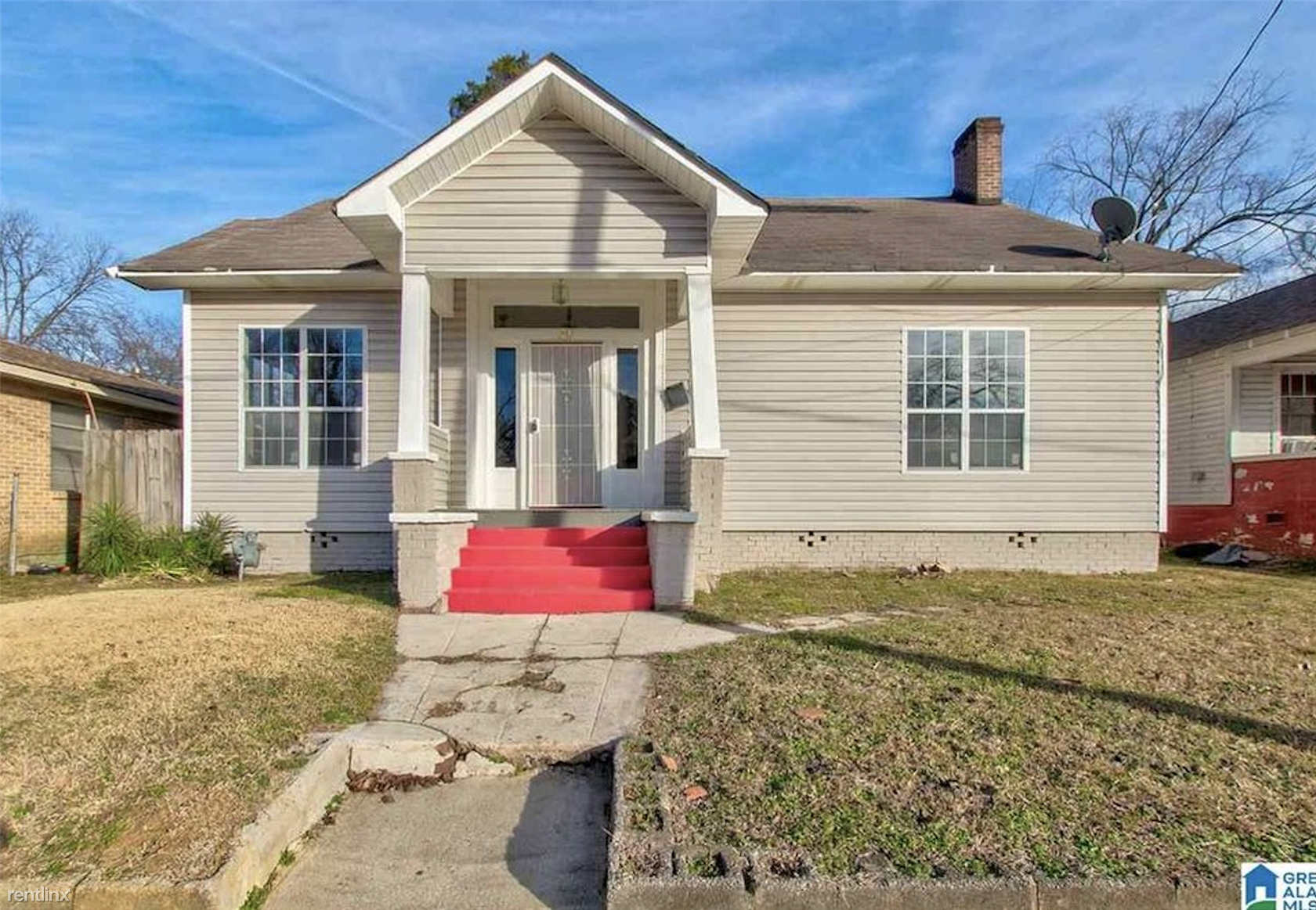 231 47th Place North - 900USD / month