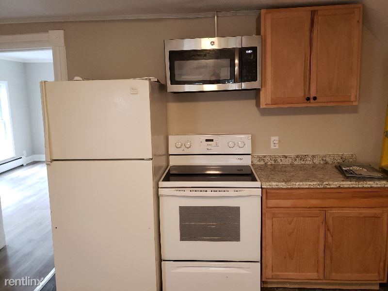 Bronson St, Watertown, NY - $850 USD/ month