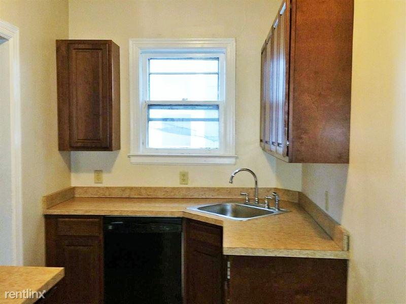 437 Hamilton st 1, Albany, NY - $1,275 USD/ month