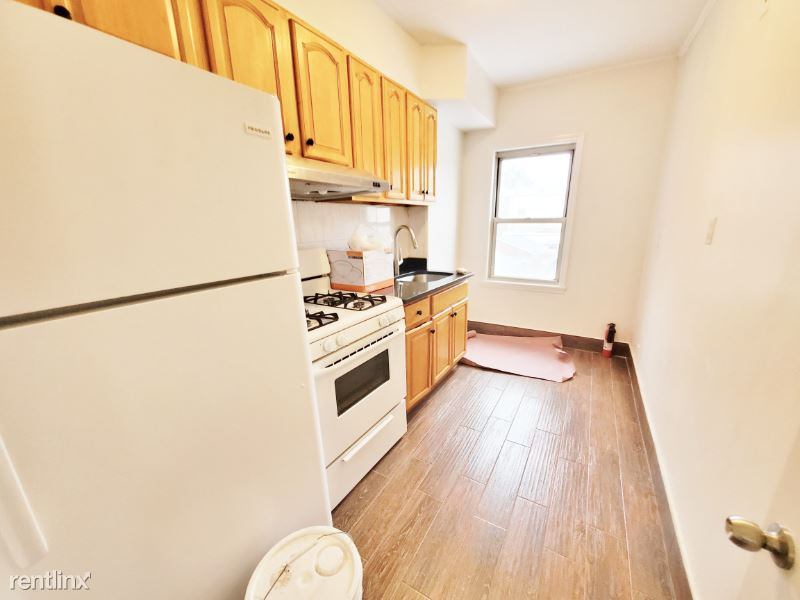 4529 49th St #2, Woodside, NY - $2,450 USD/ month