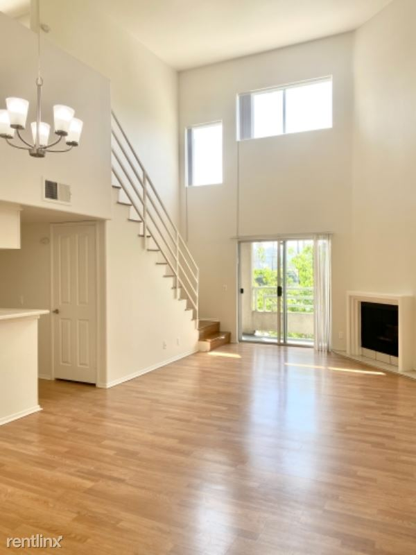 Kester Ave, Van Nuys CA, Sherman Oaks, CA - $2,495 USD/ month