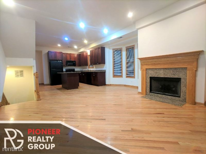 2440 N Southport Ave, Chicago IL 1 - 5400USD / month