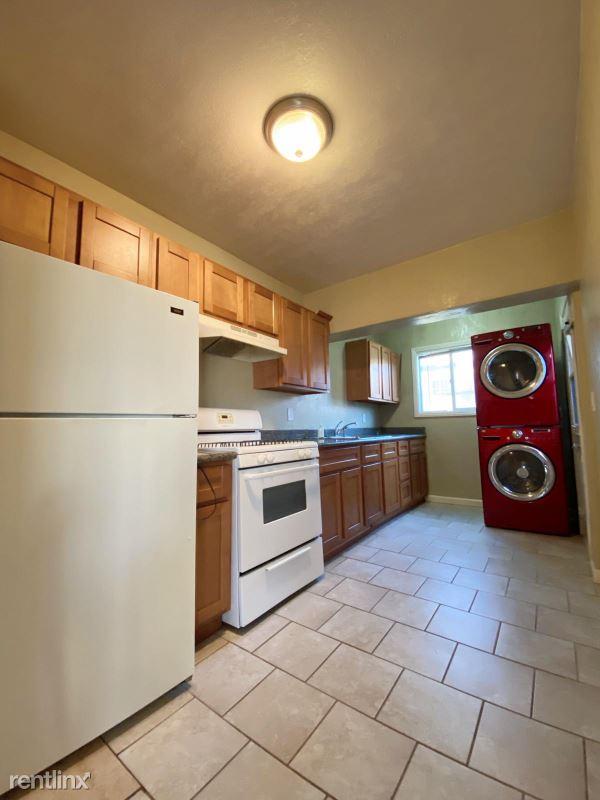 6208 Fenham St, Oakland, CA - $2,100 USD/ month